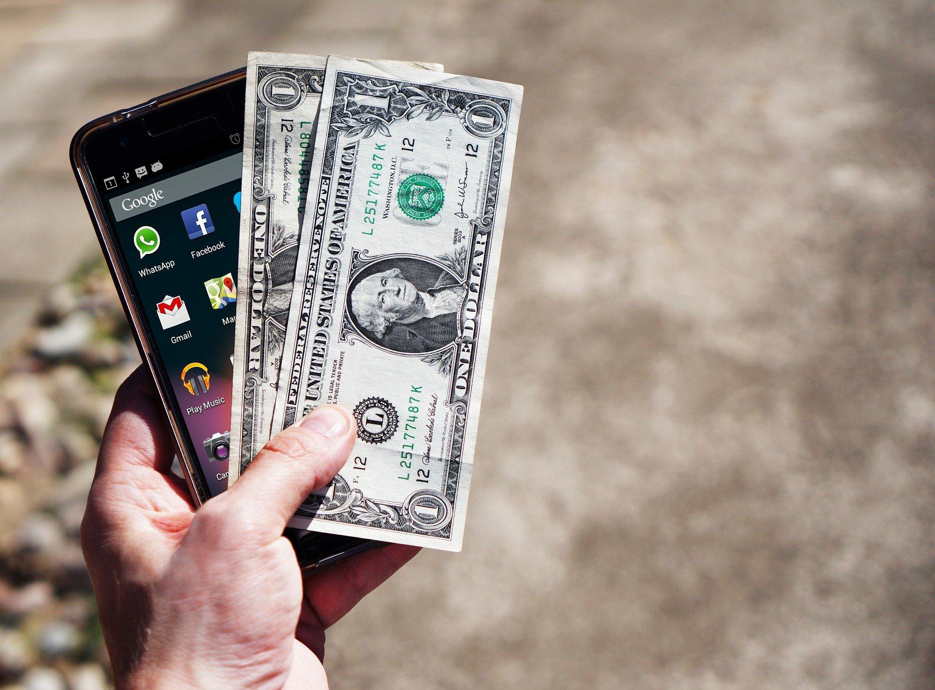 Chwilówka przez smartfona - gdzie ją wziąć?